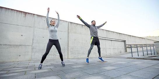 Manfaat olahraga ternyata sangat dibutuhkan tubuh, salah satunya mencegah datangnya penyakit kronis.