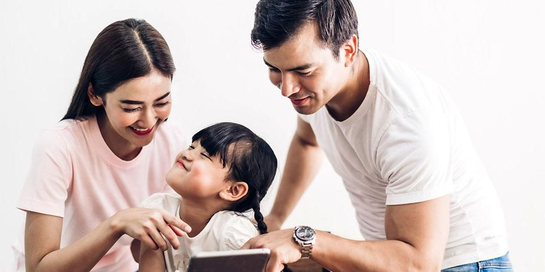 Keharmonisan orang tua dan anak bisa dijaga dengan tips parenting yang tepat
