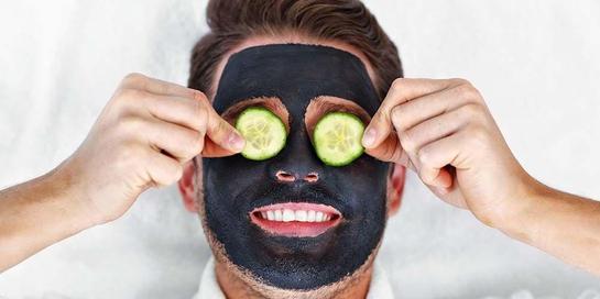 Masker wajah pria diperlukan untuk membuat wajah lebih cerah dan segar