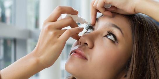 Obat tetes mata merupakan salah satu pilihan obat sakit mata