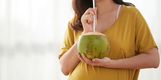 Minuman untuk asam lambung yang disarankan adalah air kelapa.