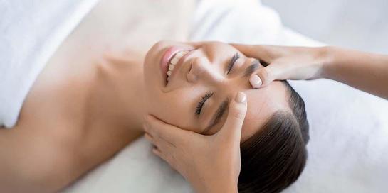 Facial massage dapat mengurangi efek penuaan di wajah