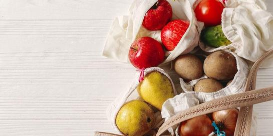 Konsumsi buah dan sayur merupakan salah satu cara alami menurunkan trigliserida.