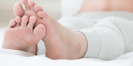 Kaki bengkak setelah melahirkan dapat diatasi dengan berbagai cara