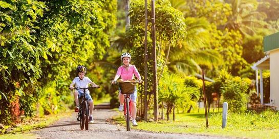 Main sepeda merupakan salah satu kegemaran anak-anak