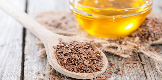 Flaxseed adalah biji-bijian berwarna kecokelatan