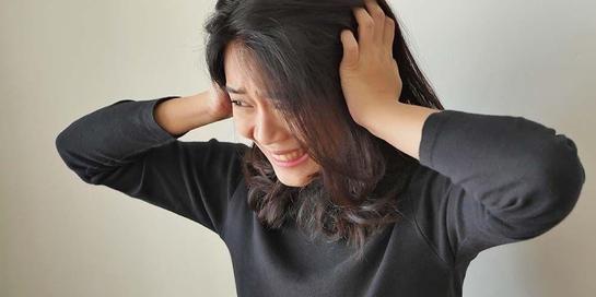 Orang dengan kepribadian ganda dapat berubah menjadi sedih dengan cepat dan tiba-tiba