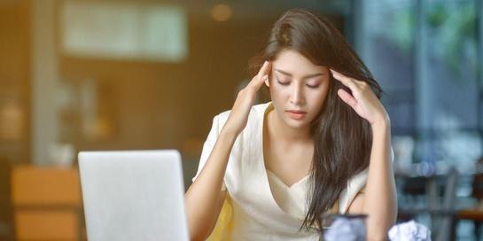 Obat sakit kepala alami dapat beragam, termasuk air putih, kopi, hingga minyak aromaterapi