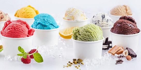 Perbedaan es krim dan gelato terletak pada bahan dan kandungan lemak serta gulanya