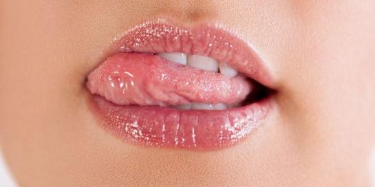 Berkonsultasilah dengan dokter jika Anda mengalami penyakit lidah yang disertai dengan demam.