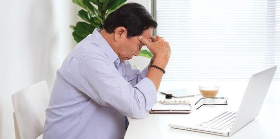 Kepala bergetar atau tremor kepala bisa menandakan tremor esensial, stroke, hingga Parkinson