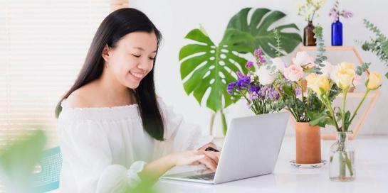 Ada beberapa manfaaat manfaat tumbuhan yang dirawat di rumah, seperti memperbaiki mood