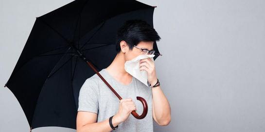 Cara mencegah flu di musim hujan sama dengan musim kemarau, yaitu menjalankan gaya hidup bersih dan sehat