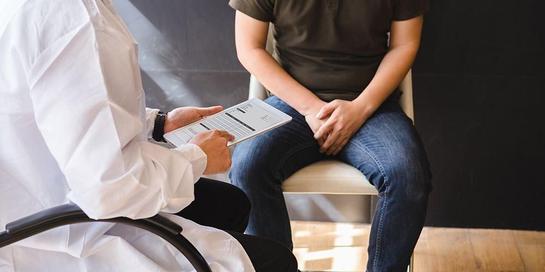 Penyebab impotensi di usia muda dapat dipengaruhi oleh penyebab fisik maupun psikologis