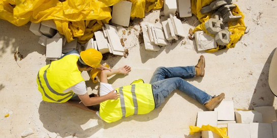 Ada beberapa jenis kecelakaan kerja berdasarkan penyebab dan dampaknya