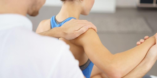 Dislokasi sendi atau pergeseran tulang di persendian dapat terjadi akibat cedera