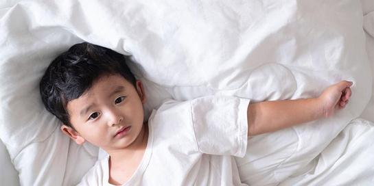 Petit mal atau absans adalah kejang yang paling sering terjadi pada anak-anak