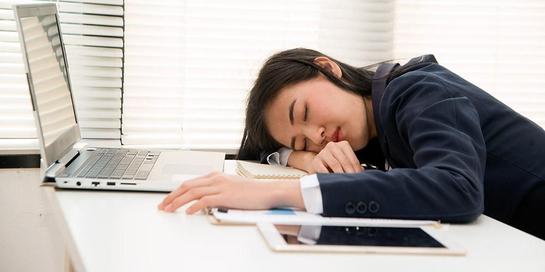 Power nap bukan alasan untuk malas-malasan, apalagi kebablasan dan tidak menyelesaikan pekerjaan.
