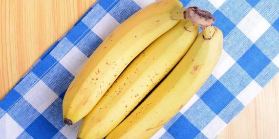 Pisang mengandung beragam vitamin dan mineral, di samping juga serat dan pati resisten