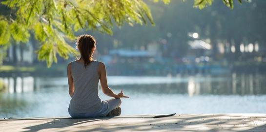 Cara menenangkan diri dapat dilakukan dengan mencari udara segar