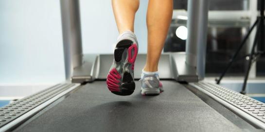 Latihan kardio juga meliputi olahraga ringan seperti lari di treadmill