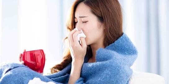 Bila batuk berdahak mengganggu pernapasan, sebaiknya Anda segera periksakan diri ke dokter