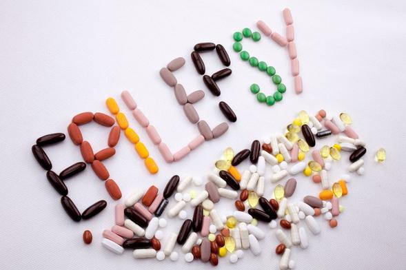 Carbamazepine digunakan untuk mengatasi dan mencegah kejang