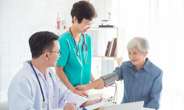 Clonidine adalah obat yang digunakan untuk mengobati darah tinggi (hipertensi)