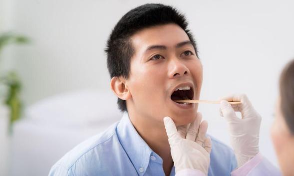 Cefuroxime digunakan untuk mencegah pertumbuhan bakteri.