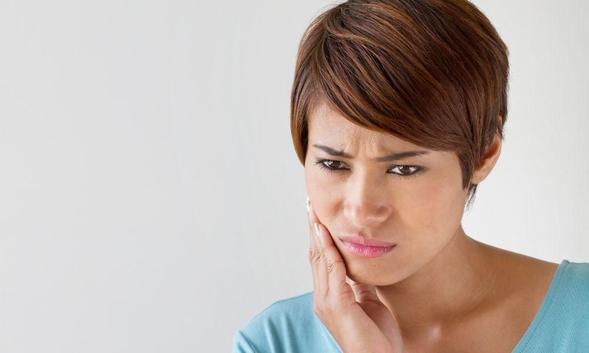 Ibuprofen digunakan untuk meringankan demam dan menghilangkan rasa sakit
