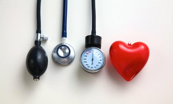 Irbesartan dapat mengobati hipertensi dengan tujuan mencegah risiko terhadinya serangan jantung