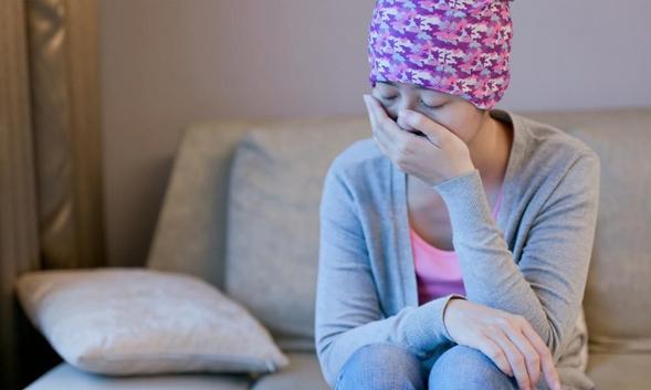 Ondansetron digunakan untuk mengatasi mual dan muntah akibat kemoterapi dan operasi