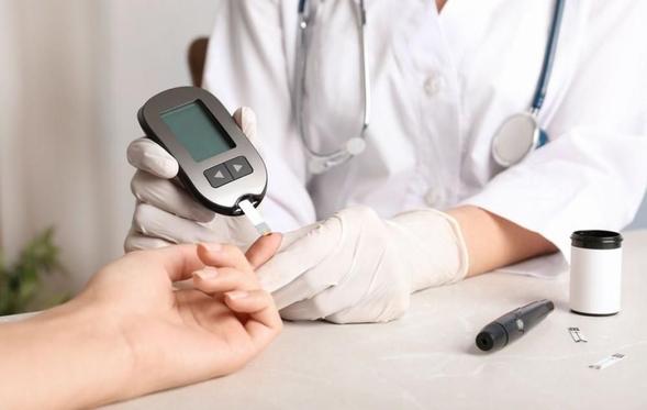 Repaglinide bekerja untuk menurunkan glukosa darah