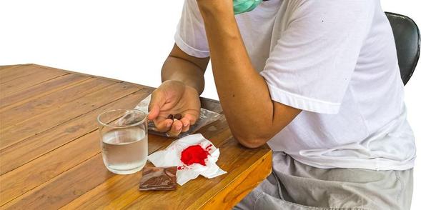 Rifampicin digunakan untuk pengobatan dan pencegahan tuberkulosis serta infeksi bakteri lain