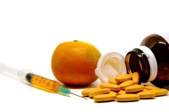 Kandungan vitamin C dapat ditemukan pada jeruk, buah beri, kentang, tomat, paprika, kubis, brokoli, dan bayam