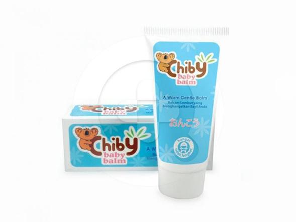 Chiby Baby balm digunakan untuk menghangatkan badan bayi dan melegakan pernapasan.