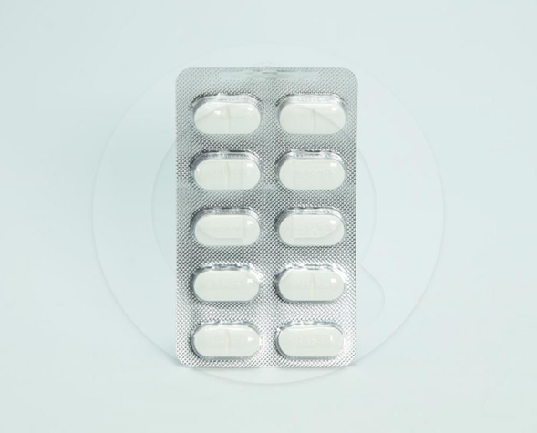 Ciproxin tablet adalah obat untuk mengobati infeksi bakteri pada saluran pernapasan, infeksi telinga, atau sinus, infeksi saluran kemih, infeksi genital pada pria dan wanita, serta infeksi saluran pencernaan