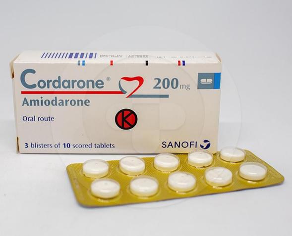 Cordarone tablet digunakan untuk membantu menjaga jantung berdetak secara normal pada orang-orang dengan gangguan irama jantung