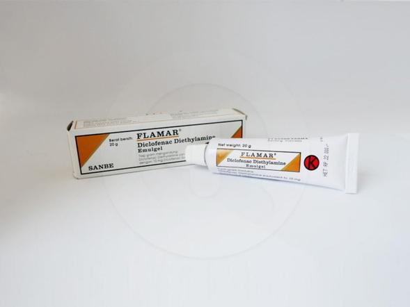 Flamar gel 20 g mengandung zat diclofenac yang digunakan untuk inflamasi karena trauma pada tendon, ligamen, otot dan persendian.