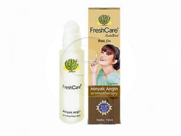 FreshCare Sandalwood 10 ml dapat meringankan sakit kepala, perut kembung, masuk angin, mabuk perjalanan, gejala flu, pegal-pegal dan gatal akibat gigitan serangga.