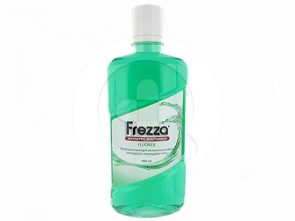 Frezza Mouthwash Fluoride digunakan untuk mencegah pembentukan lubang pada gigi dan menyegarkan napas.