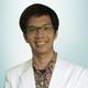 dr. Ade Wijaya, Sp.S merupakan dokter spesialis saraf di RS Premier Jatinegara di Jakarta Timur