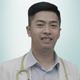 dr. Adhi Pasha Dwitama merupakan dokter umum