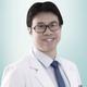 dr. Adrian Hartanto Liucius merupakan dokter umum