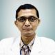 dr. Albertus Quarino, Sp.KO merupakan dokter spesialis kedokteran olahraga di Indonesia Sports Medicine Centre di Jakarta Selatan