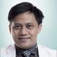 dr. Alex Saefullah, Sp.KFR merupakan dokter spesialis kedokteran fisik dan rehabilitasi di Omni Hospital Alam Sutera di Tangerang Selatan