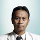 dr. Arfan Mappalilu, Sp.S merupakan dokter spesialis saraf di RS Setia Mitra di Jakarta Selatan
