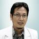 dr. Bambang Dwipayana, Sp.KK merupakan dokter spesialis penyakit kulit dan kelamin di RS Awal Bros Bekasi Barat di Bekasi