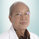 dr. Bennardus Philippi, Sp.B-KBD merupakan dokter spesialis bedah konsultan bedah digestif di RS St. Carolus di Jakarta Pusat
