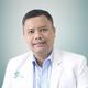 dr. Daniel Petrus Marpaung, Sp.OT merupakan dokter spesialis bedah ortopedi di Siloam Hospitals Kebon Jeruk di Jakarta Barat